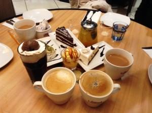 中国,KFC,ケーキ,コーヒー,フルーツティー