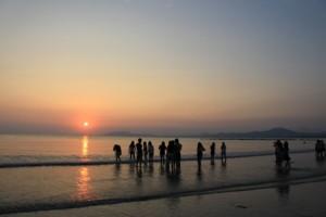 双月湾,夕焼け,中国人