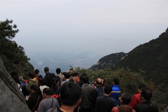 中国江西省の廬山。人が多い