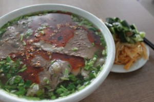 牛肉麺と漬物