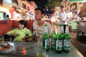 敦煌市内でビール