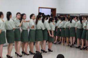 中国の大学。合唱コンクールの衣装