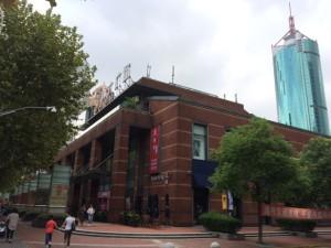 上海浦東新区のH&M