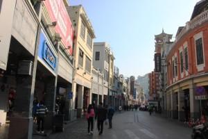 蓮香楼のある通り。広州市西関