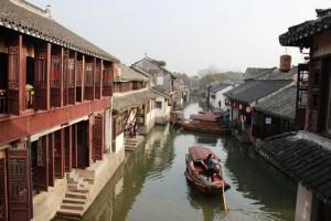 中国の風景、船と運河