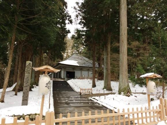冬の中尊寺金色堂