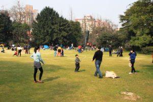 上海の中山公園でバドミントン