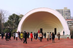 上海の中山公園、広場舞